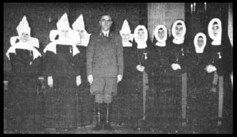 Nazi Ante Pavelic y Monjas Católicas