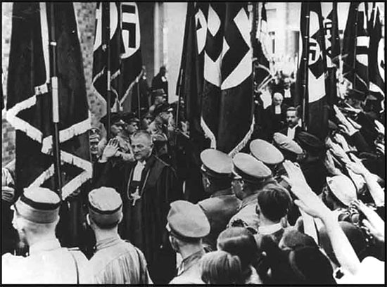 Obispo Católico Reich Ludwig Muller y Nazis