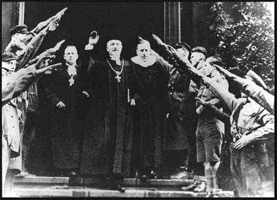 Católico Freidrich Coch y Nazis